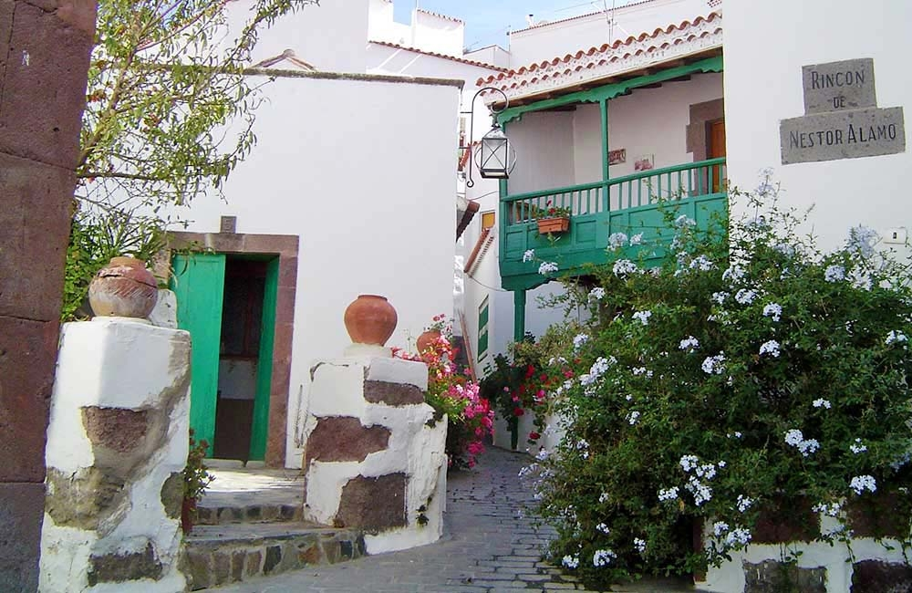 side-street-in-tejeda