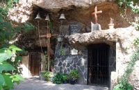 cave-church-at-barranco-hondo