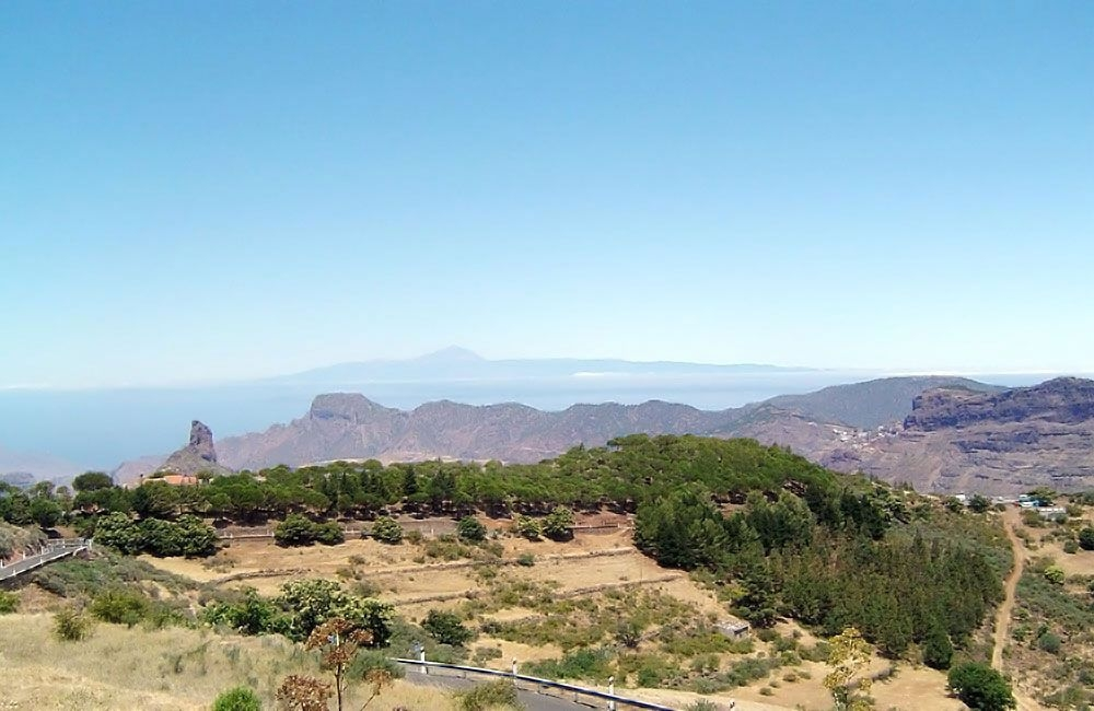 views-over-roque-bentayga-to-tenerife