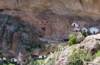 more-cave-houses-at-acusa