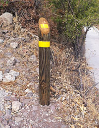 Yellow route signpost - walking in Gran Canaria