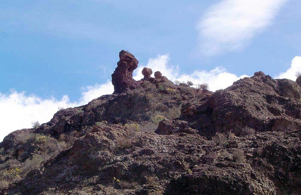 the-camel-rock-above-soria